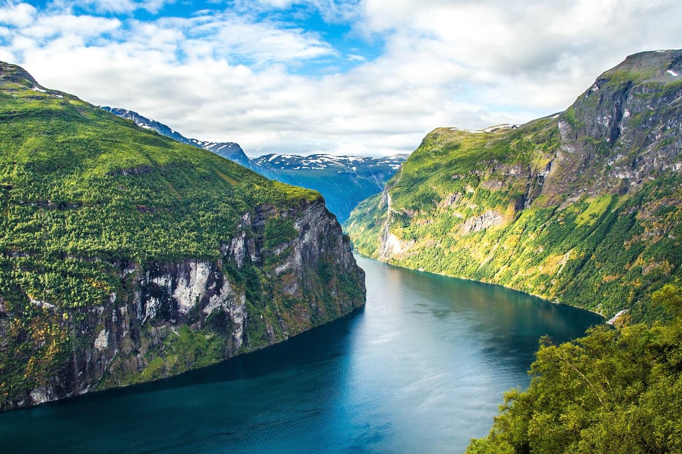Day 18-21: Ålesund, Trollstigen, Geiranger - The most beautiful of Norway! (...seen so far) UPD 2017 - Finland Travel Blog - Best Places to Visit in Europe